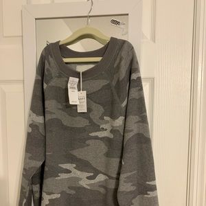 NWT American Eagle XS Camo Sweatshirt